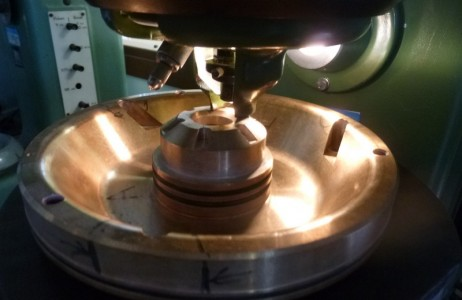 durezza-hb-su-componente-in-bronzo-particolare