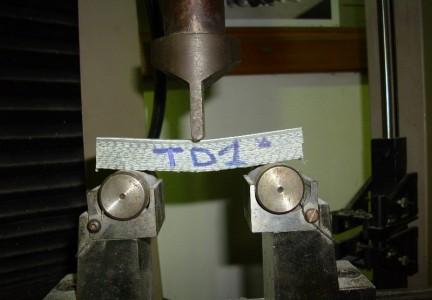 prova-di-taglio-interlaminare-su-composito-ibrido-astm-d2344