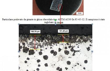 particolare-prelevato-da-girante-in-ghisa-sferoidale-tipoastm-a536gr65-45-12-il-campione-e-stato-inglobato-in-resina-la-zona-corticale-della-fusione-risulta-caratterizzata-da-una-microstruttura-costit